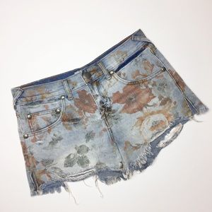 Free People floral jean shorts distressed size 25
